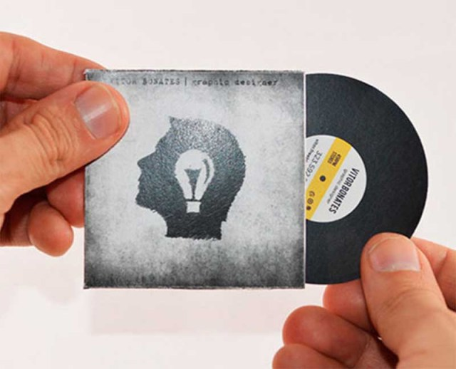 Vitor Bonates combines work and play with these creative business cards