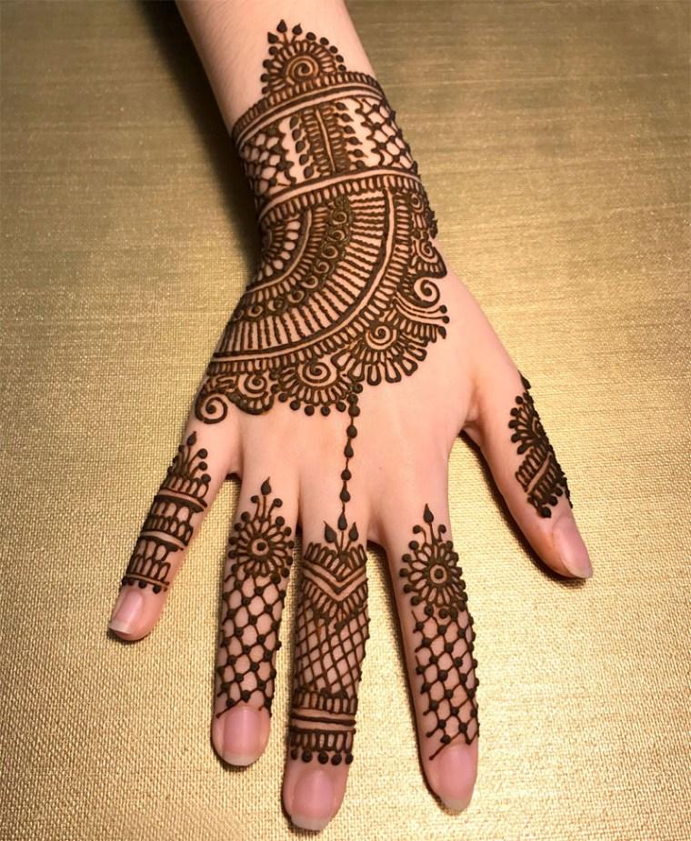25 Latest Finger Mehndi Designs 2018
