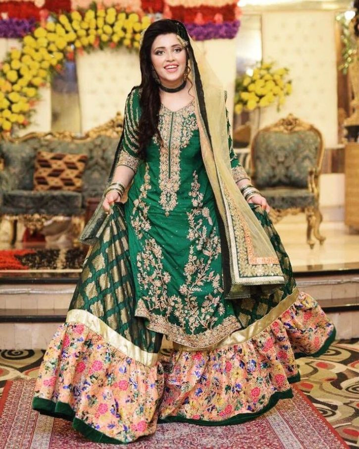 15 Latest Pakistani Bridal Lehenga Designs 2018 Dresses Crayon