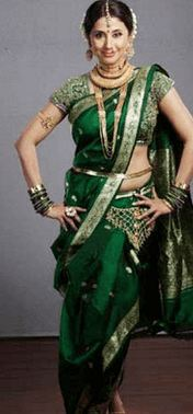 How to Wear Saree in Different Style 3