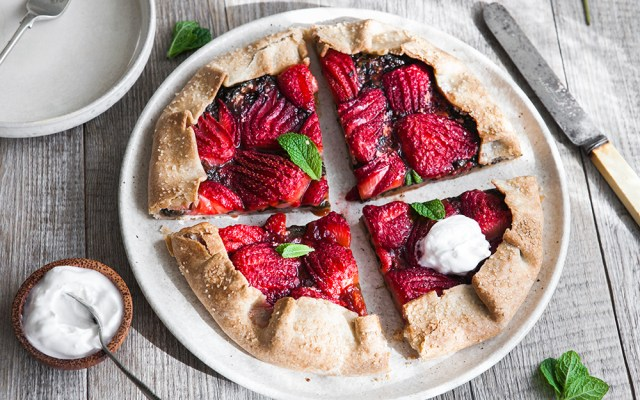 Strawberry and Sorrel Galette. Vegan Recipe.