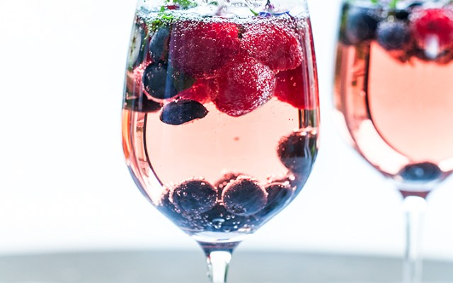 Moscato and Berries Summer Sangria. Valentine`s day recipe.