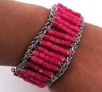 Розовый браслет-манжета из бисера своими руками