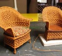 Миниатюрное кресло для кукольного домика
