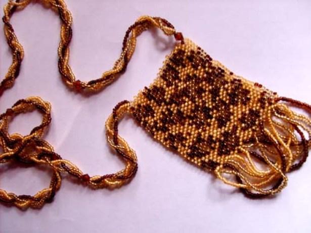 Медальон Леопард из бисера