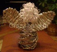 Ангел плетенный из газет