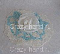 Шелковые цветы и ламинирование как элементы декора в валяных изделиях
