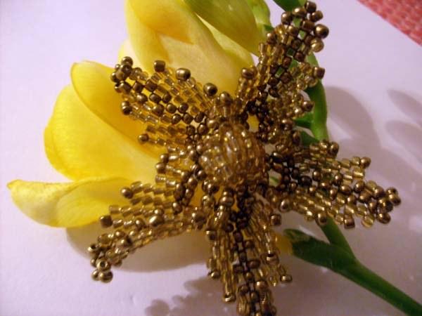 Золотой цветок своими руками