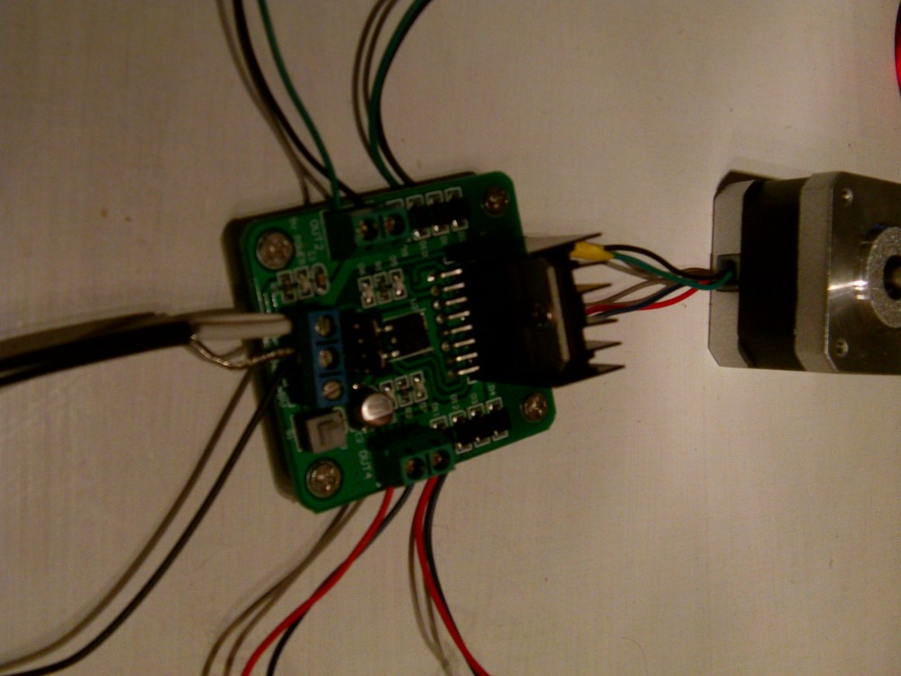 medium resolution of h bridge wired to a bipolar stepper motor