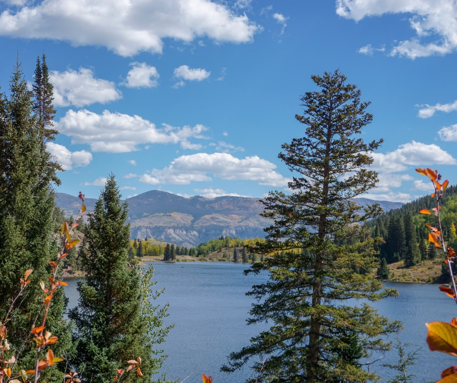 Lower Cataract Lake Trail Loop, Summit County hiking trails, Easy hiking trails in Colorado, Silverthorne hiking trails, Family hiking in Colorado,