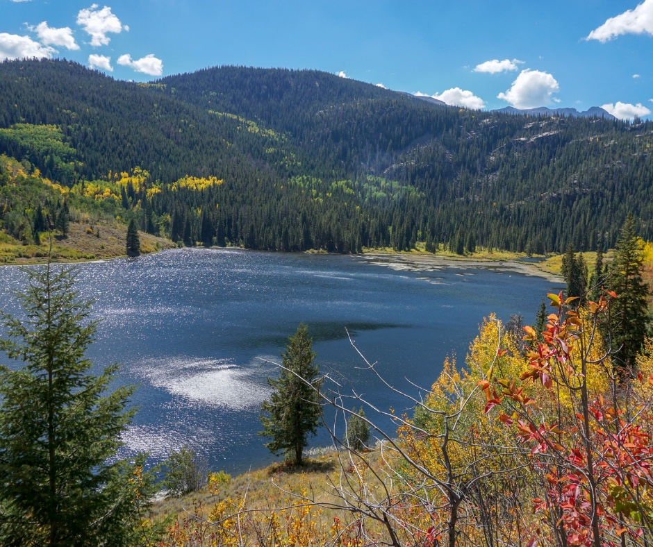 Summit Colorado hiking trails, Best hiking in Summit County, Lower Cataract Lake, hiking near Dillon, easy hikes, day hikes, snowshoeing in Colorado