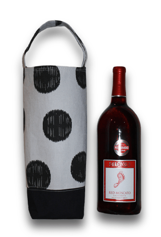 wine-tote-and-wine
