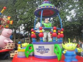 Hong-Kong-Disneyland-day-parade-13