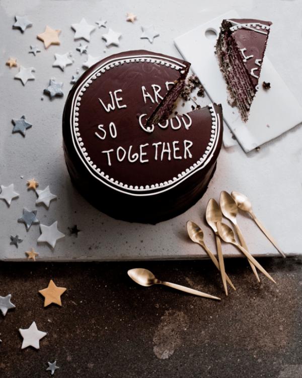 Wedding Cake Traditions Saving Cake