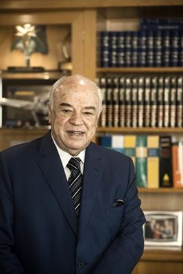 Luiz Gonzaga Bertelli.