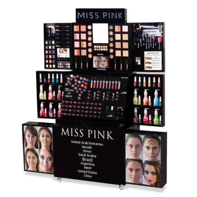 A proposta da rede é oferecer uma loja de produtos de beleza que possa ser transportada para diversos locais.