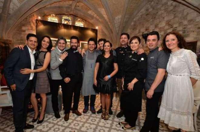 A secretária de Turismo do México Claudia Ruiz Massieu com os chefs top do país, durante a celebração do World's 50 Best Restaurants,em Londres.