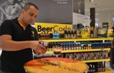 Rede de franquias de Cervejas Especiais inaugura quiosque no shopping Maia com variadas opções de kits, além de mesas para consumo no local.