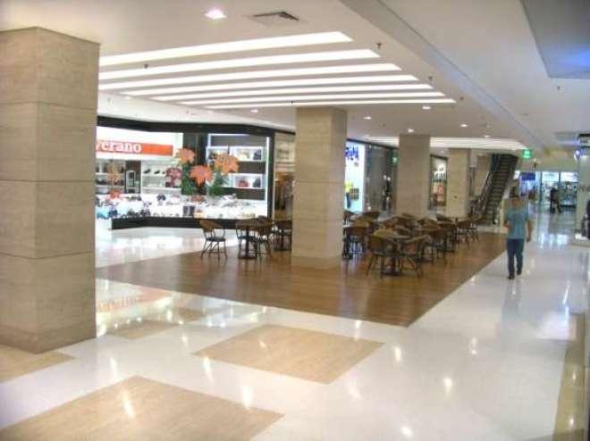 Depois de passar por um intenso processo de revitalização, o Shopping Ibirapuera chega aos 39 anos com aspecto de recém inaugurado.
