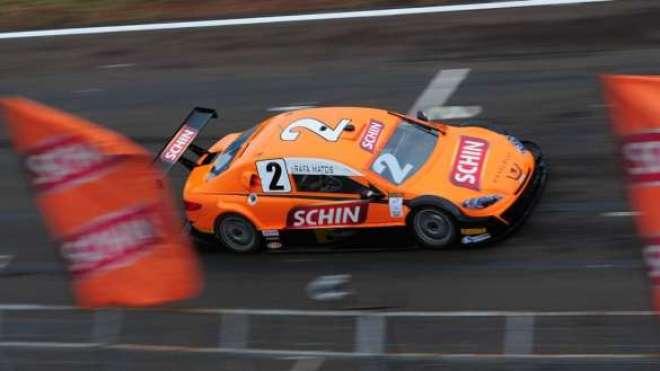 Rapha Matos, que largou na 20ª posição, conseguiu duas ultrapassagens e teve excelentes voltas com um carro bem veloz.