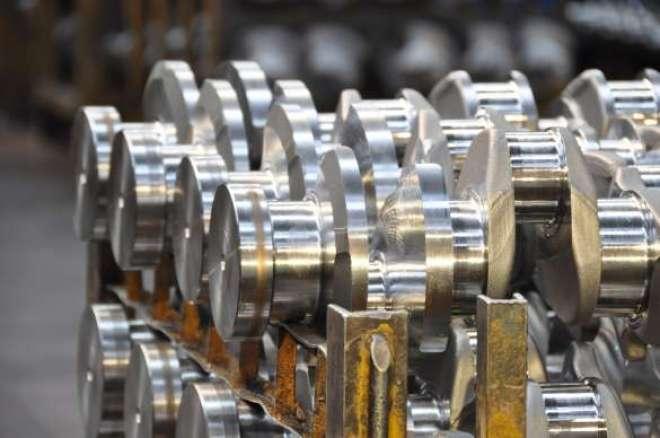São cursos de montagem de motores para linha leve e linha pesada, gratuitamente, no Centro de Treinamento da Mahle, em Jundiaí/SP.