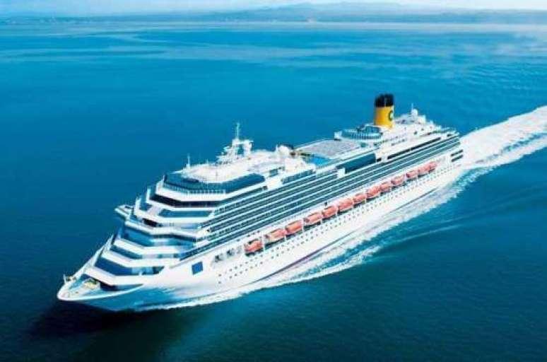 O Costa Favolosa fará viagens de três a oito noites, partindo de Santos.