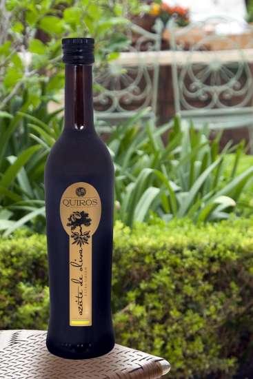 O lançamento é produzido de forma artesanal nos melhores terroirs da Espanha.