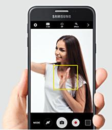 O Galaxy J7 Prime tem câmera frontal com 8MP, flash LED e lente com abertura f1.9.