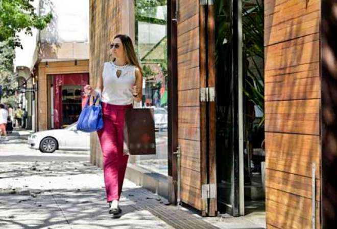 Estudo da Seed Digital analisou o movimento de clientes em lojas de rua e shopping centers.
