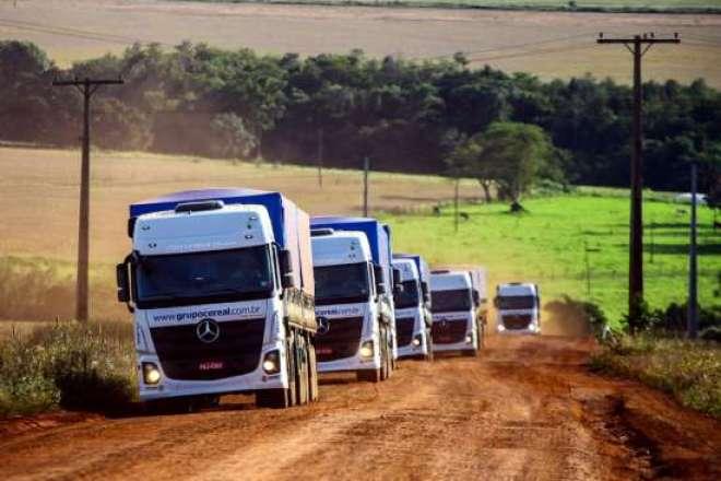 Juntamente com o concessionário Rodobens, a Empresa expõe cinco modelos de caminhões Atego, Axor e Actrosna Tecnoshow COMIGO em Rio Verde, interior de Goiás.