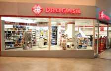 Consumidores encontram serviços únicos no varejo farmacêutico nestas novas filiais da empresa.