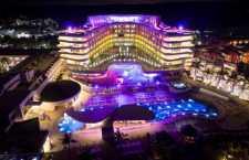 Venha sozinho ou com os amigos, faça novos amigos ou simplesmente relaxe e aproveite. O Temptation Cancún Resort espera por você!