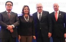 Ministro do Turismo, Vinicius Lummertz, Teté Bezerra, presidente da Embratur, o presidente do Sebrae. Afif Domingos e o deputado federal Herculano Passos
