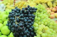 Nutricionista do HCor orienta sobre o consumo de frutas para hidratar o corpo no verão