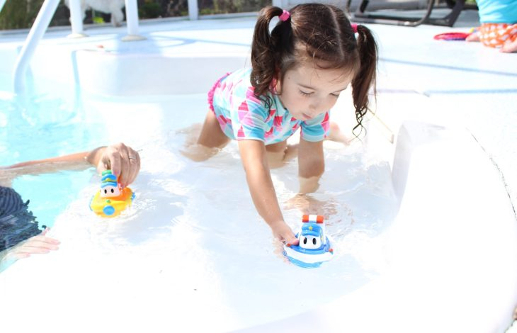 Summer Splashing and Snacking with Nuby