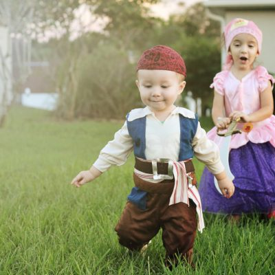 Halloween Costumes: Oriental Trading Review