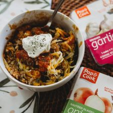 QUICK WEEKNIGHT DINNER: CHICKEN ENCHILADA BOWL