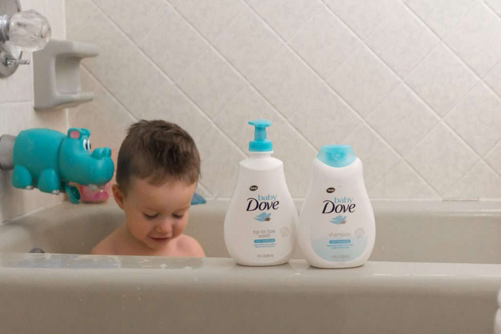 Baby Dove Review | Baby Bath Routine | Baby Bonding with Dad
