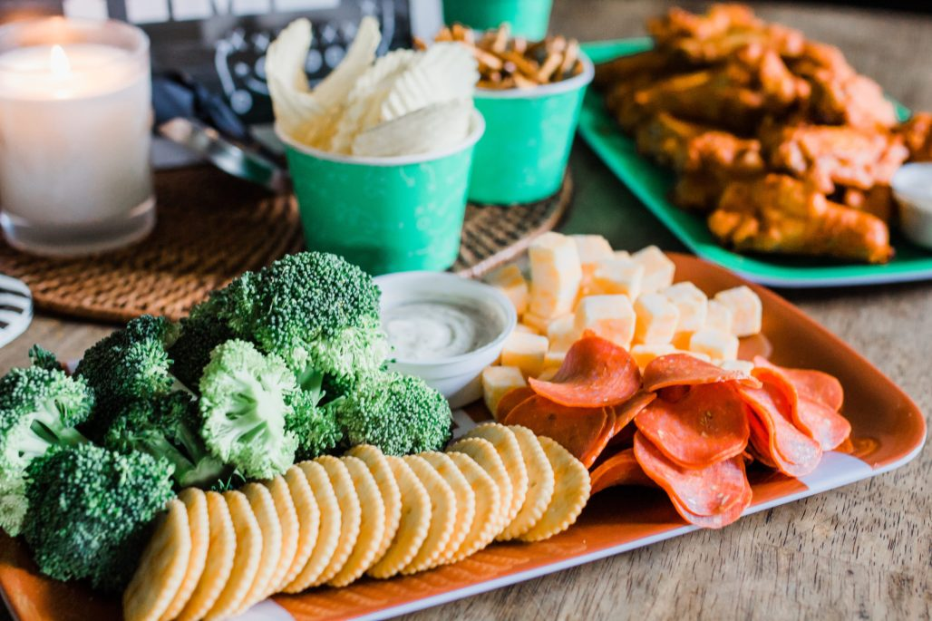 Football  Sunday  Game  day  Formatted:  Font:  Italic 09/26/2018  06:43:53  23food  ideas  with  Tyson  Any'tizers®  Buffalo  Style  Bone-In  Chicken  Wings  @TysonFoods#FallEntertainingwithTyson  #FootballSunday  #FootballParty  #ad