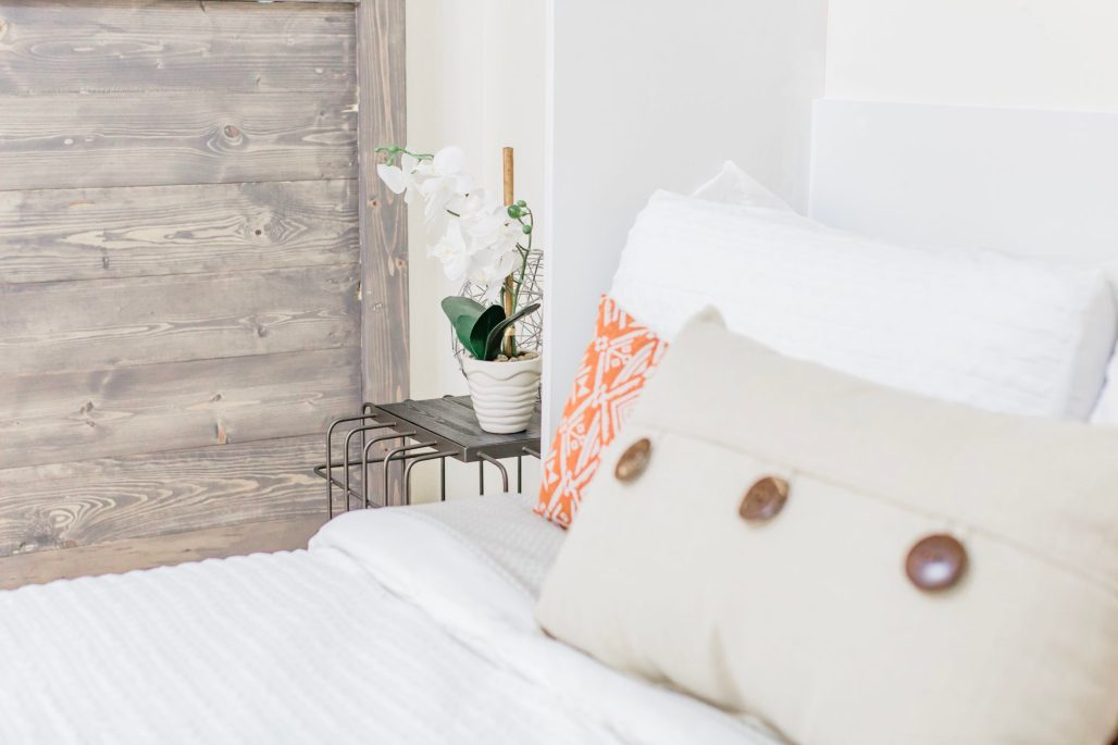 guest room makeover, turning dining room into guest room with a DIY murphy bed and DIY sliding barn door, farmhouse style guest room, Tampa parenting blog mothers blog motherhood blog Florida travel blogger travel influencer healthy mom blogger spring hill florida lifestyle parenting blog best mom blog 2018