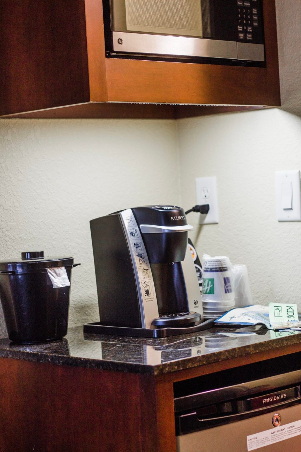 budget friendly Disney World hotel, Holiday Inn Orlando Lake Buena Vista, disney world hotels, off-site Disney hotel