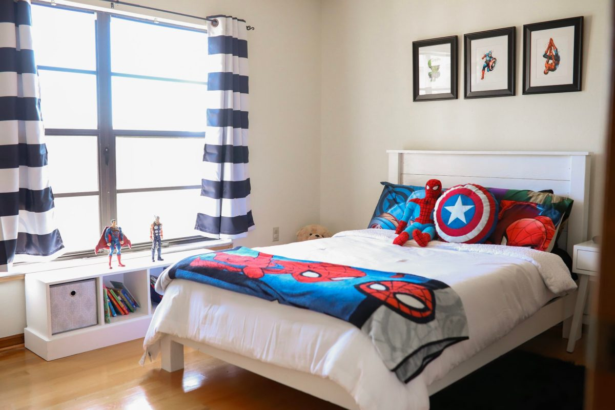 MODERN SUPERHERO BEDROOM