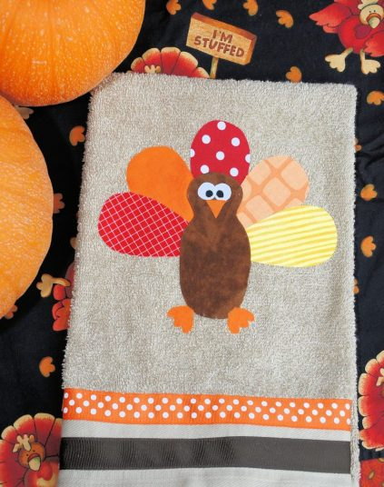 Thanksgiving Hand Towel-Make this cute little hand towel for Thanksgiving. No sewing needed.
