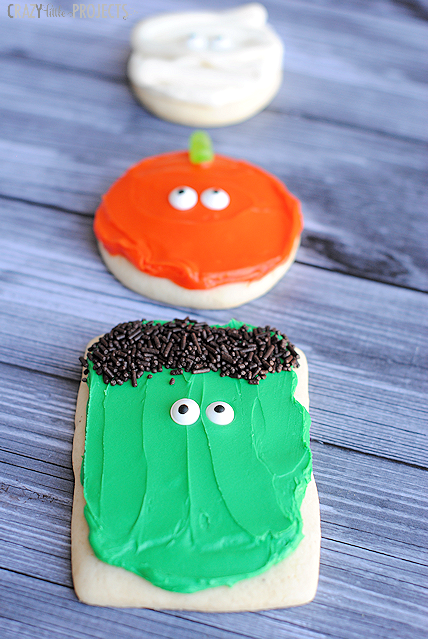 Simple Halloween Sugar Cookies