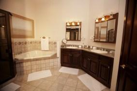 Pura Vida Villa - Bathroom