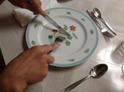 Cutting food etiquette