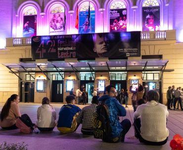jóvenes al teatro