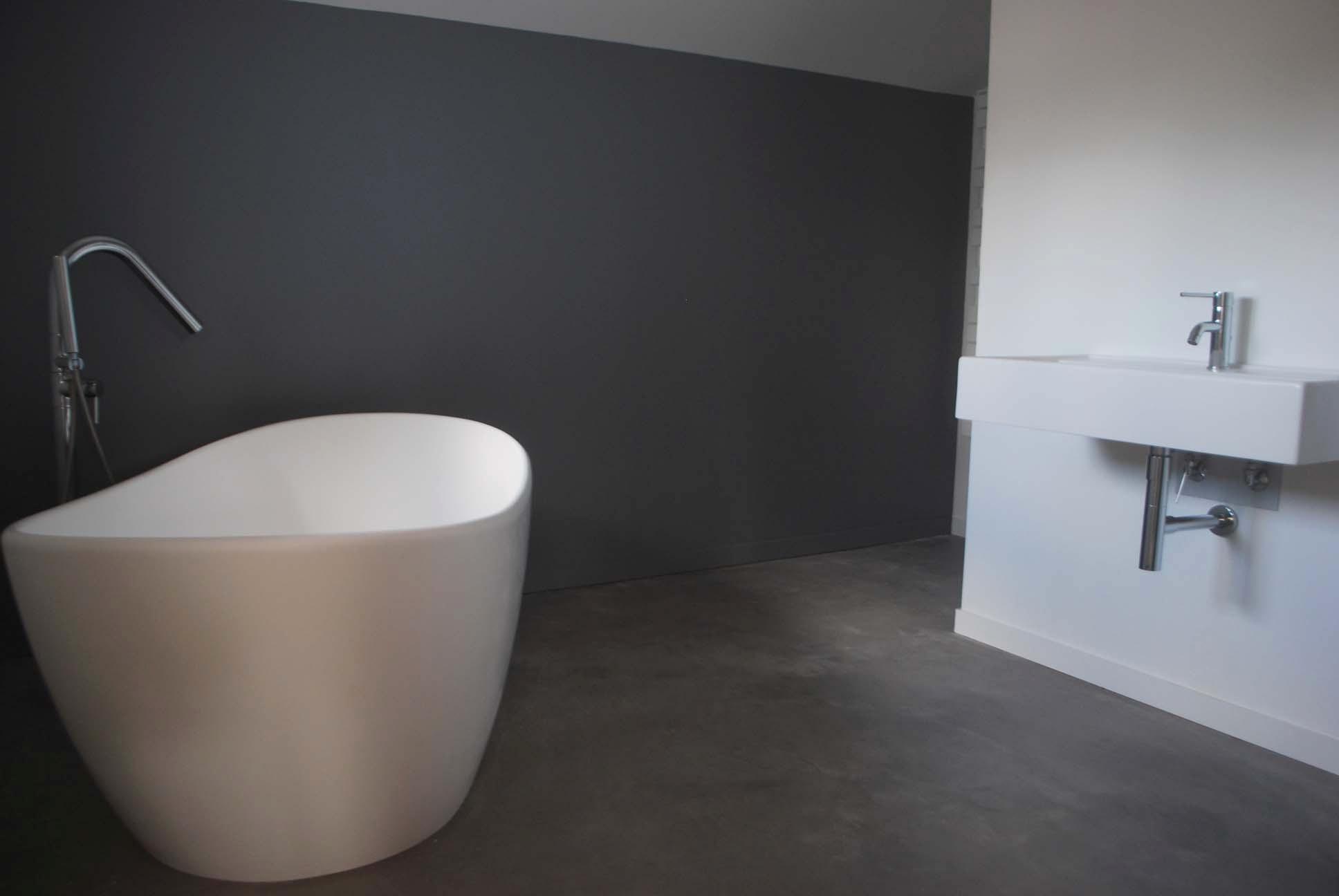 Beton Cire Mercadier Dans Salle De Bain Renovation Carrelage ...
