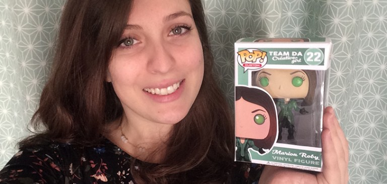 elle personnalise une figurine funko pop pour en faire un cv cr u00e9atif