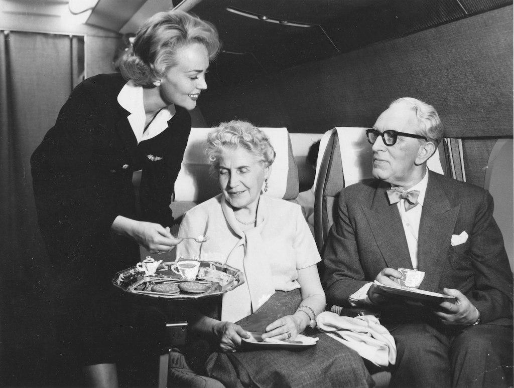 Cette compagnie aérienne scandinave montre à quoi ressemblaient les repas dans les années 1950 ! By Mélanie D. Sas-compagnie-aerienne-repas-3